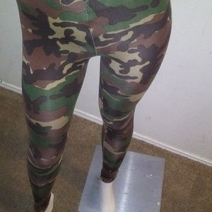 Army fatigue stretched pants